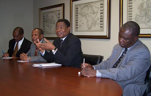 COMESA Secretary General Sindiso Ngwenya (centre)