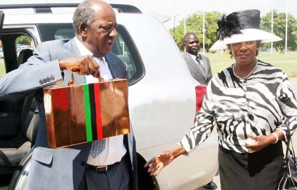 Chikwanda presents 2013 budget